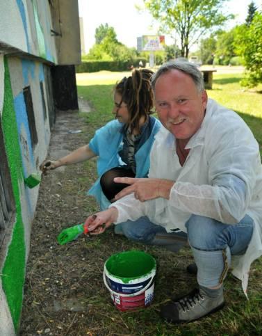 15.II Dzień malowania muralu z Pogromcami Bazgrołów (foto - A Naider)