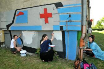 18.II Dzień malowania muralu z Pogromcami Bazgrołów (foto - A Naider)